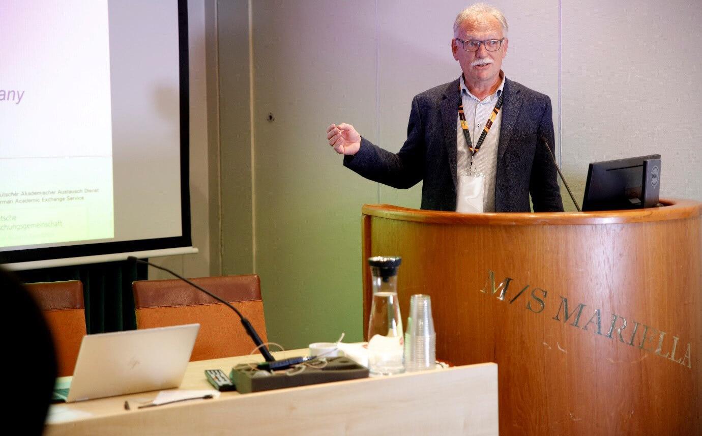 Prof. Herbert Pfnuer during the keynote talk - 3rd bcs | IAAM